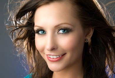 Pretty young woman headshot